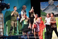 Afscheidsmusical groep 8B basisschool de Biezenkamp Beek deel 1