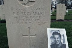Foto's op Canadese erebegraafplaats Groesbeek