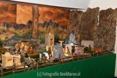 Kerststal bij begraafplaats in Beek