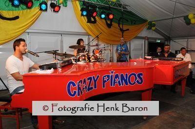 DSC_2859crazy_pianos