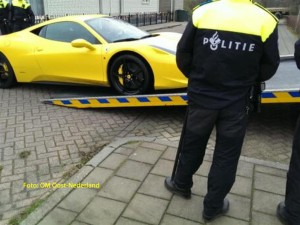 Politie actie Ferrari 1kopie (Large)
