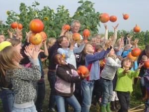 sponsor Gert kinderen en pompoenen oogstfeest (2)