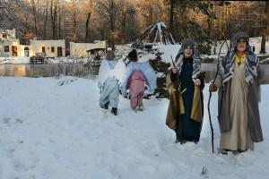 Heilig Landstichting, 28-12-2014; DG_Foto  Sfeerfoto's met figuranten in sneeuw Foto: Ed van Alem