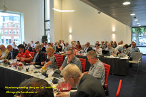 DSC_5823 raadsvergadering naam